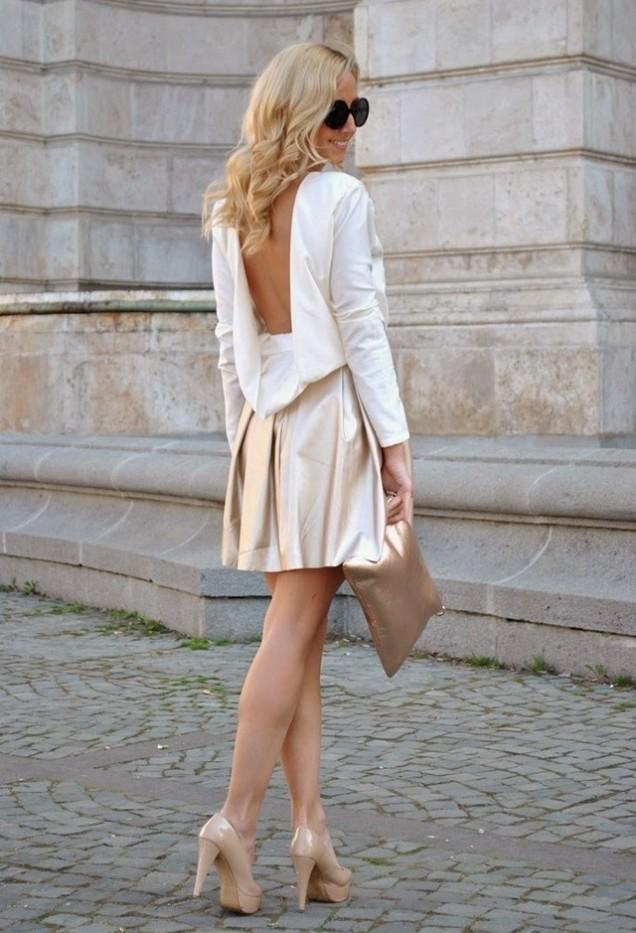 Секси златна рокля с гол гръб за пролет 2016