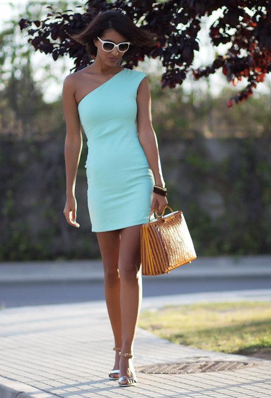 Модерна къса рокля за пролет 2016