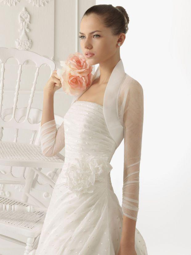Сватбена рокля с ръкави