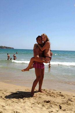 Коцето и Надя на плажа