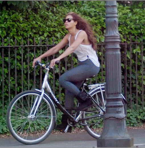 Бионсе кара колело