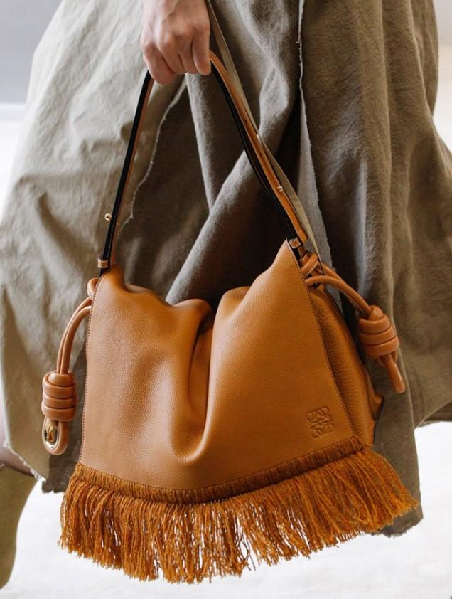 Стилна чанта с ресни пролет 2017