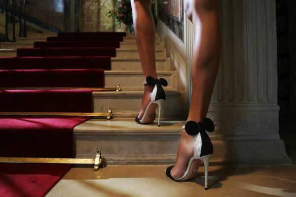Модерни Мини сандали в сребърно и черно