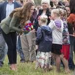 Кейт Мидълтън първи снимки с деца