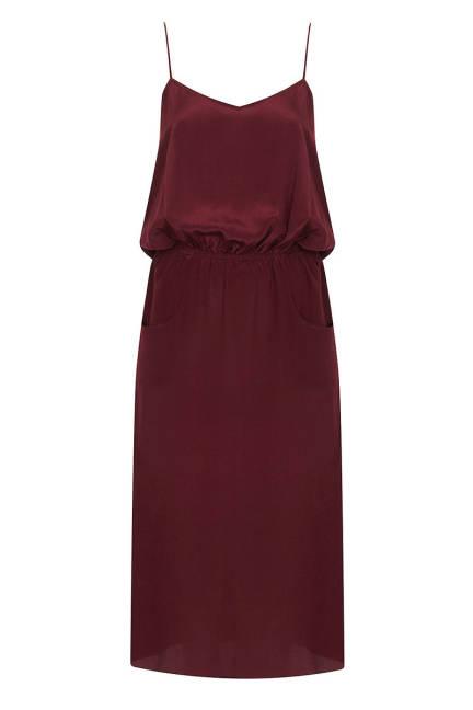 Копринена рокля в червено