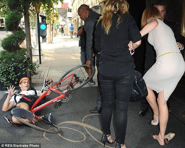 Никол Кидман по време на падането