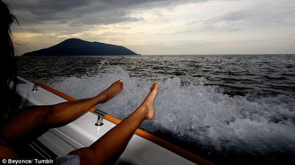 Бионсе и Джей Зи в морето
