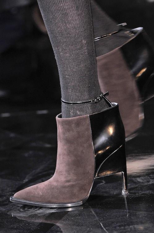 Galliano стилни боти