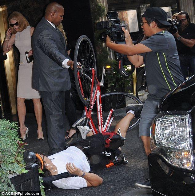 Никол Кидман инцидент пред хотела