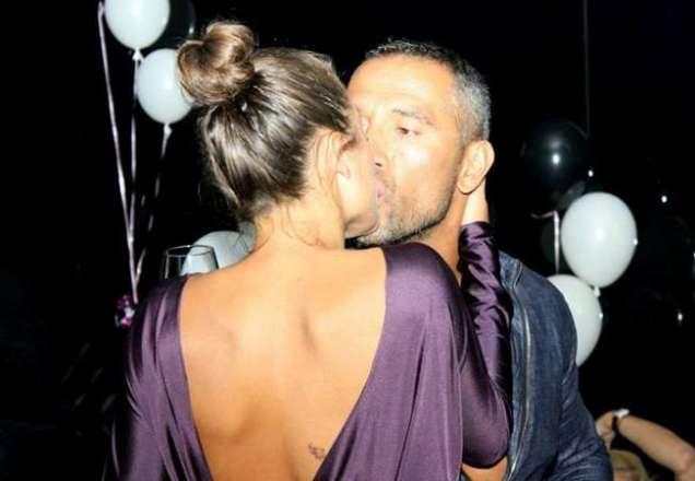 Яна Акимова и Петко Димитров се целуват