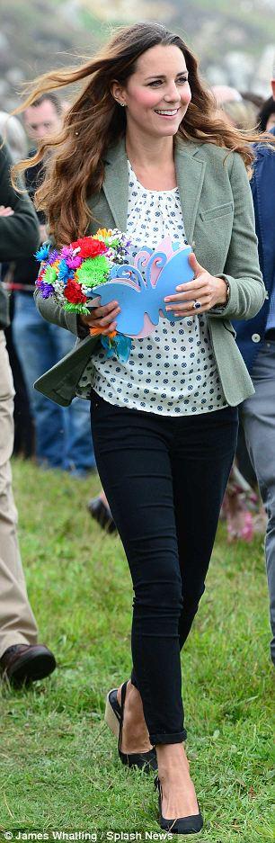 Кейт Мидълтън след раждането-първи снимки