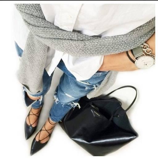 Черни кожени пантофки с връзки пролет 2017