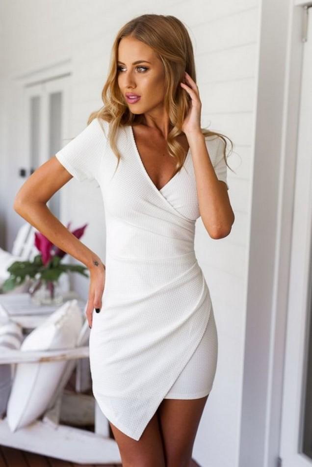 Стилна асиметрична бяла рокля лято 2017