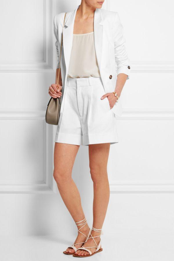 Бели къси панталонки лято 2017