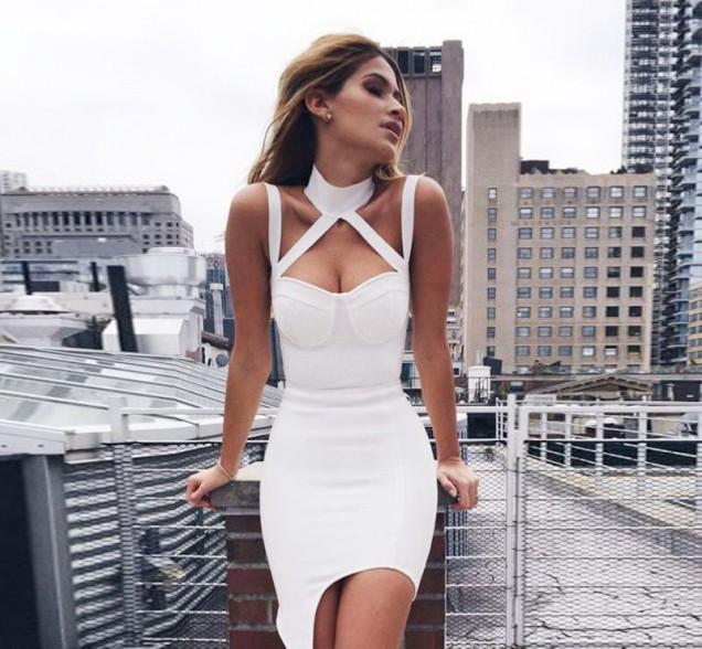 Секси модел бяла рокля лято 2017