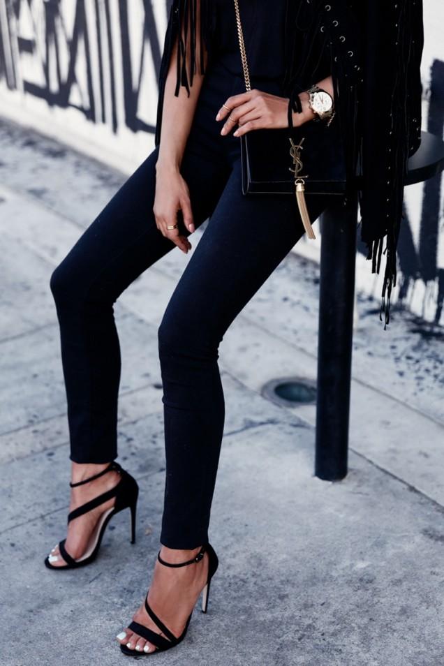 Елегантен модел сандали с каишки лято 2017