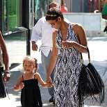Холи Бери с дъщеря си Нала