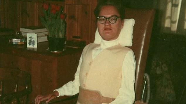 Марта Мейсън когато се разболява от полиомиелит