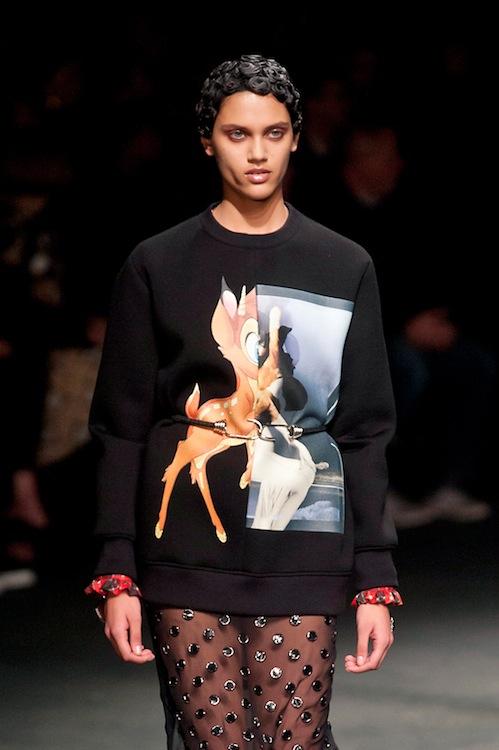 Givenchys готин голям пуловер