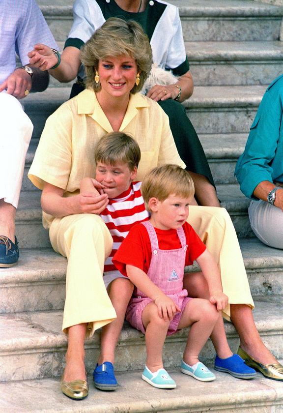 Принцеса Даяна с Уилям и Хари