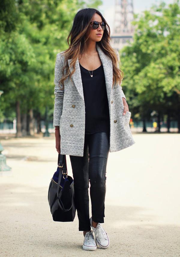 Модерно светло зимно палто