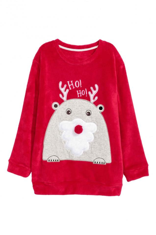 Червен пуловер с новогодишни мотиви зима 2017