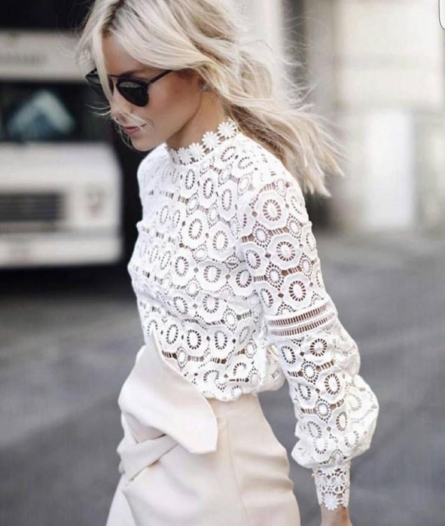 Нежна блуза в бяло пролет 2018