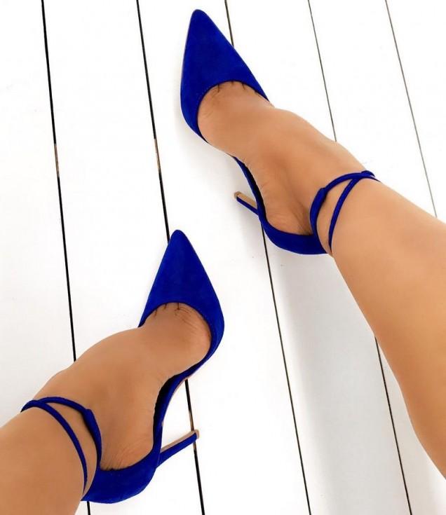 син велур обувки