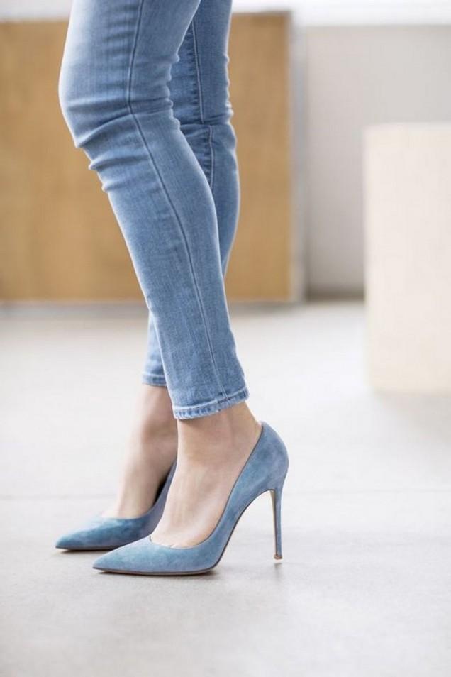 дънки с остри обувки