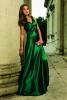 Стилна рокля цвят изумруд 2018