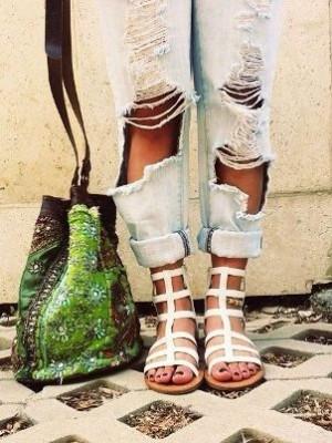 Гладиаторски сандали в бяло лято 2018